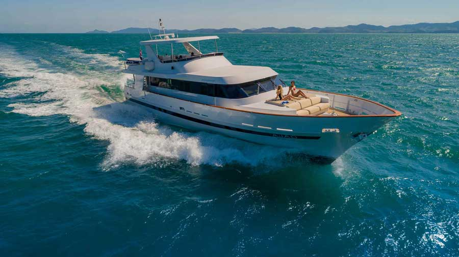 Private-yacht-in-phuket-for-bachelor-party-with-delta-security-3