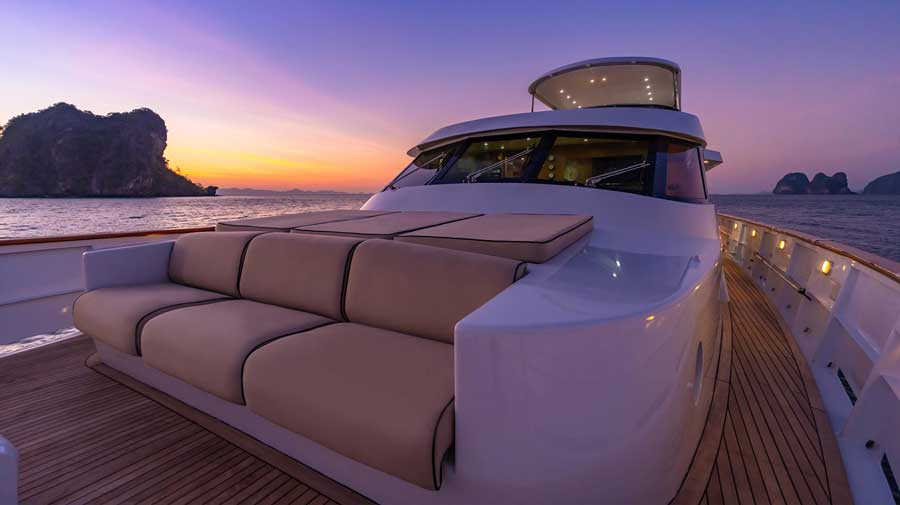 Private-yacht-in-phuket-for-bachelor-party-with-delta-security-5