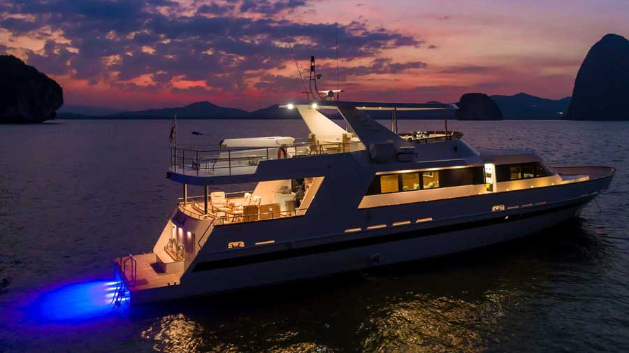 Private-yacht-in-phuket-for-bachelor-party-with-delta-security